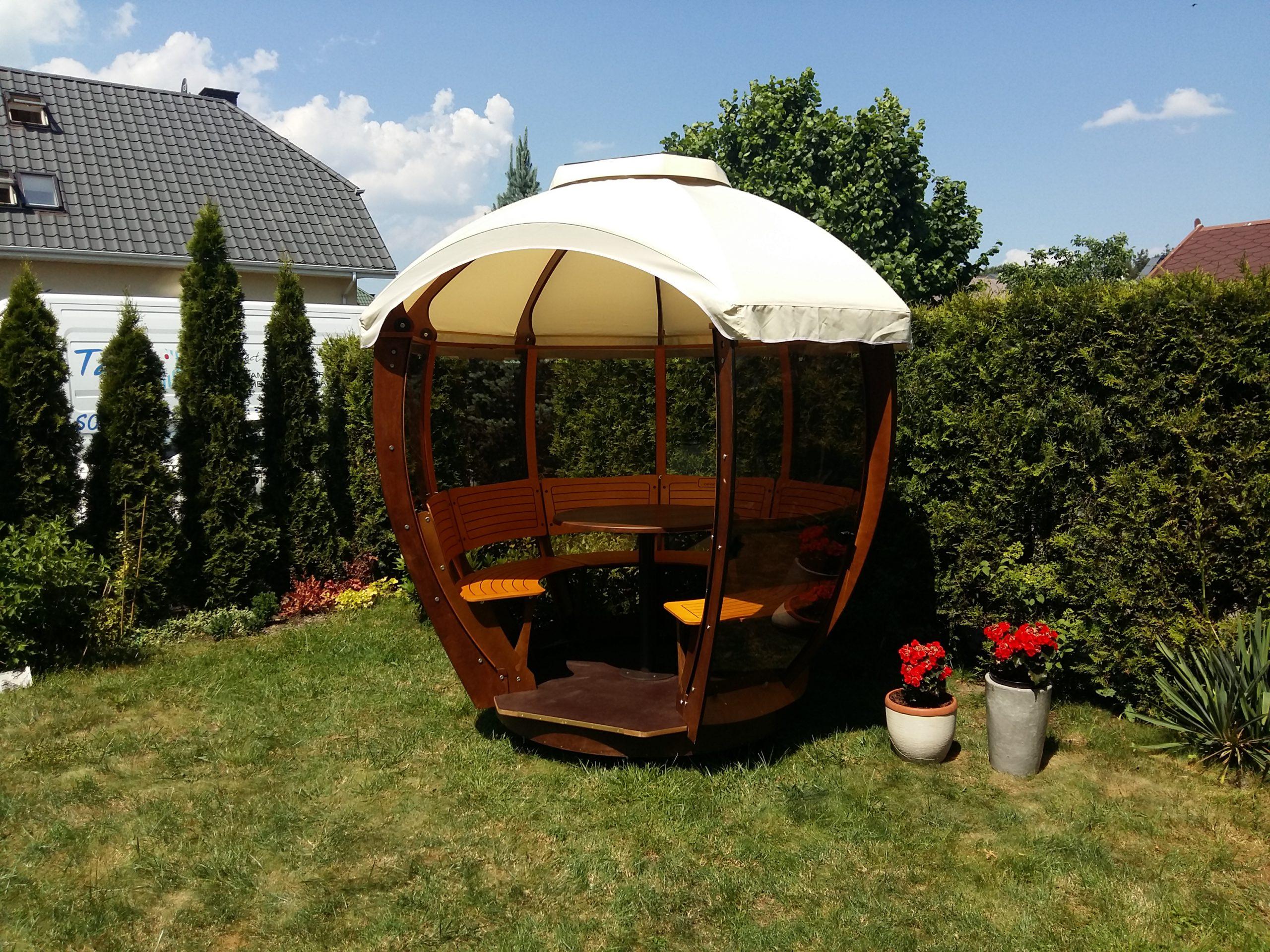 Cocoshell w ogrodzie