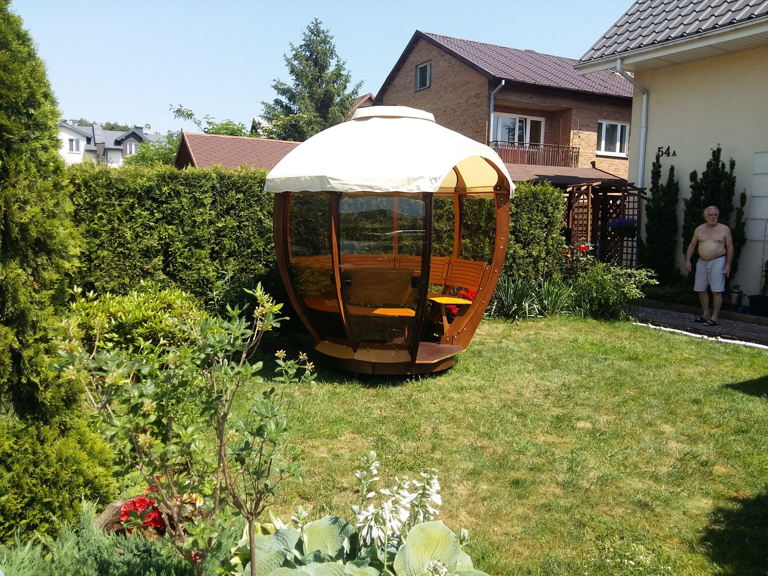 Cocoshell w przydomowym ogrodzie