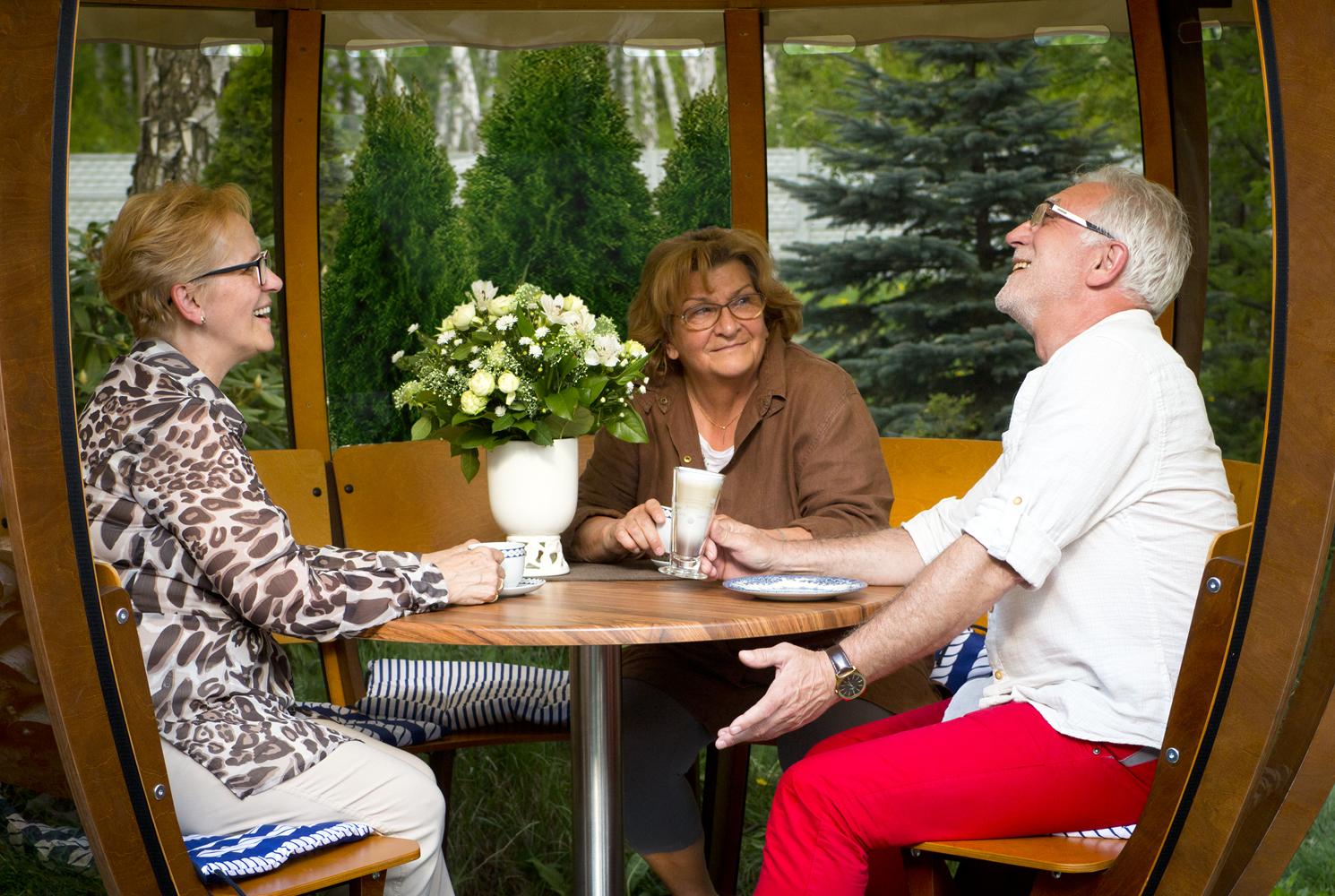 Altanka Cocoshell – rozmowy przy kawie